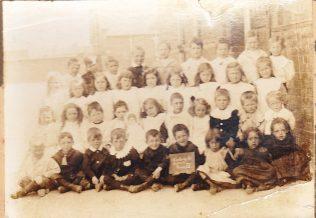 Hatherley Road Schoolchildren, c.1907 | Royce Tranter