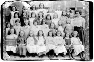 Hatherley Rd Girls School pupils, 1914 | Royce Tranter
