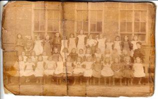 Tredworth Rd infants School, 1906   Royce Tranter